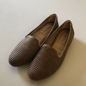Like New Me Too Taupe Loafers